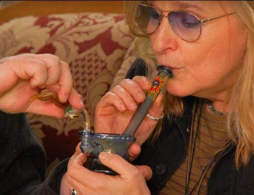 Melissa  Etheridge Filmed Dabbing Marijuana On Viceland TV