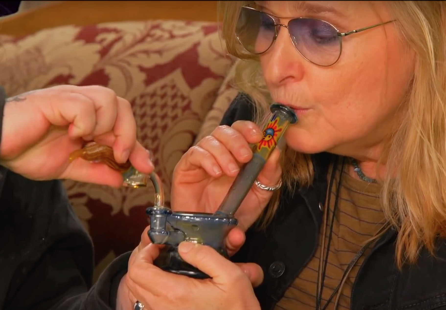 Melissa  Etheridge Filmed Dabbing Marijuana On Viceland TV